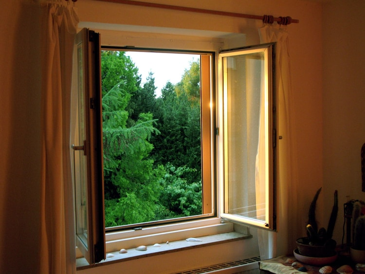 How to Stop Noise from Coming Through Windows: Top 8 DIY Methods